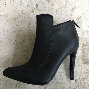 Black Stiletto Ankle Bootie Marilyn Pointed Toe
